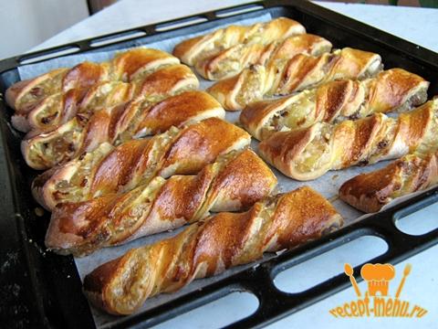 дрожжевые спиральные булочки с яблоками