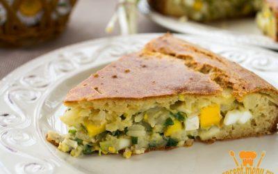 Наливной пирог с луком, яйцами и рисом