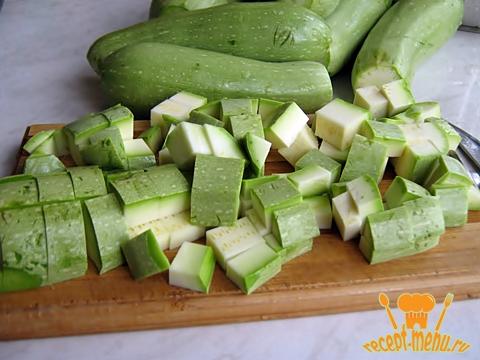 порезать кабачки для салата