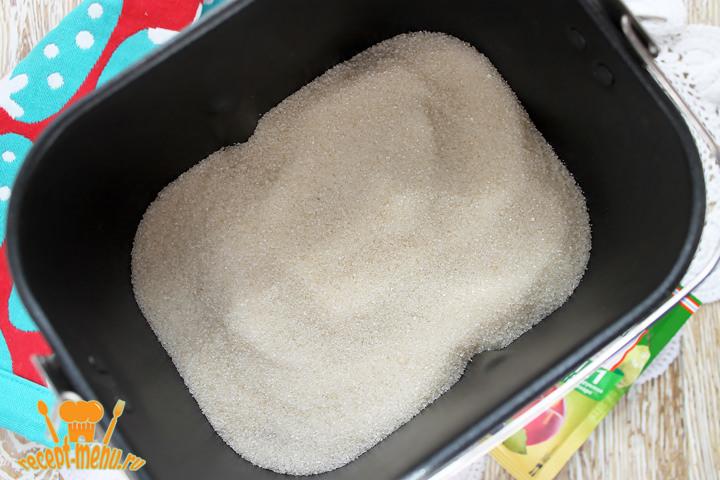 Засыпать клубнику сахаром