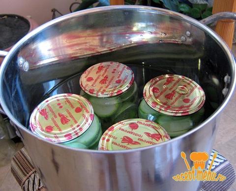 Стерилизовать консервированные кабачки