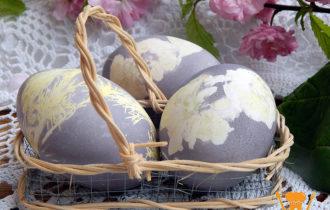 Покращенные яйца шпинатом на Пасху