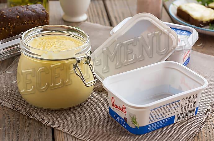 Плавленный сыр как Янтарь, приготовленный в домашних условиях